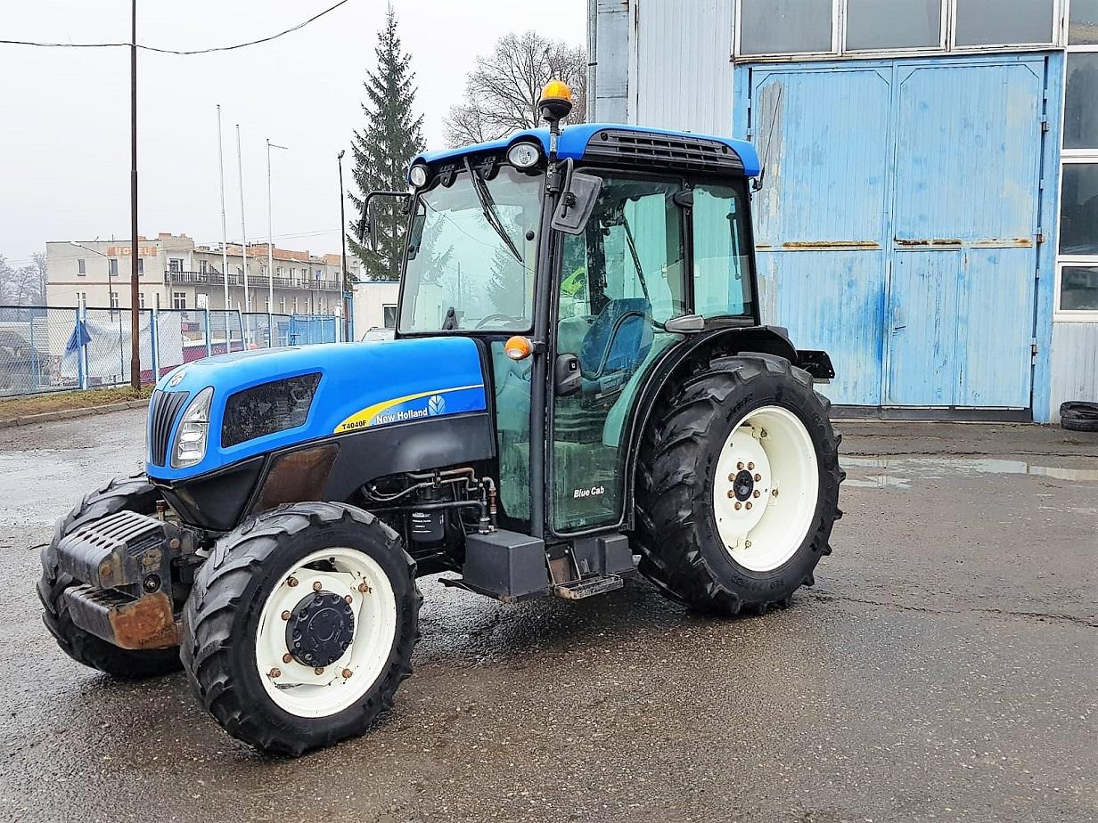 Ciągnik sadowniczy New Holland T4040F -Agro-Poland Artur Hucaluk - używane maszyny rolnicze